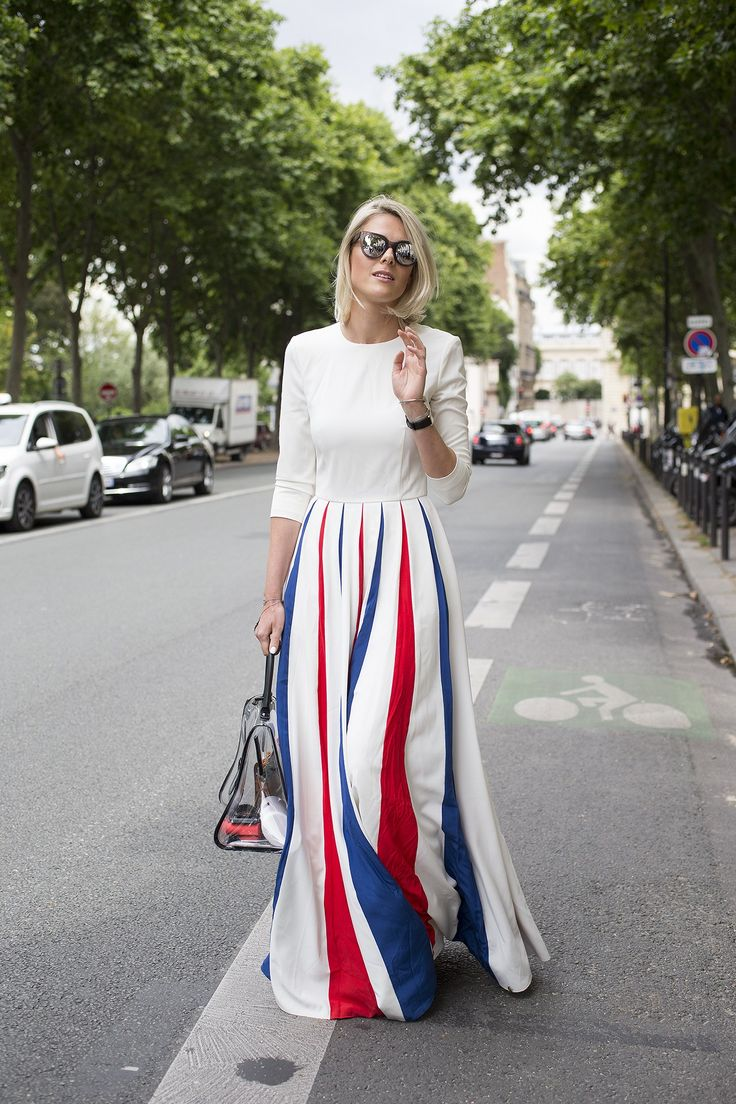 Sofie Valkiers; Skectrum glasses; A La Russe dress; Del Vaux bag;